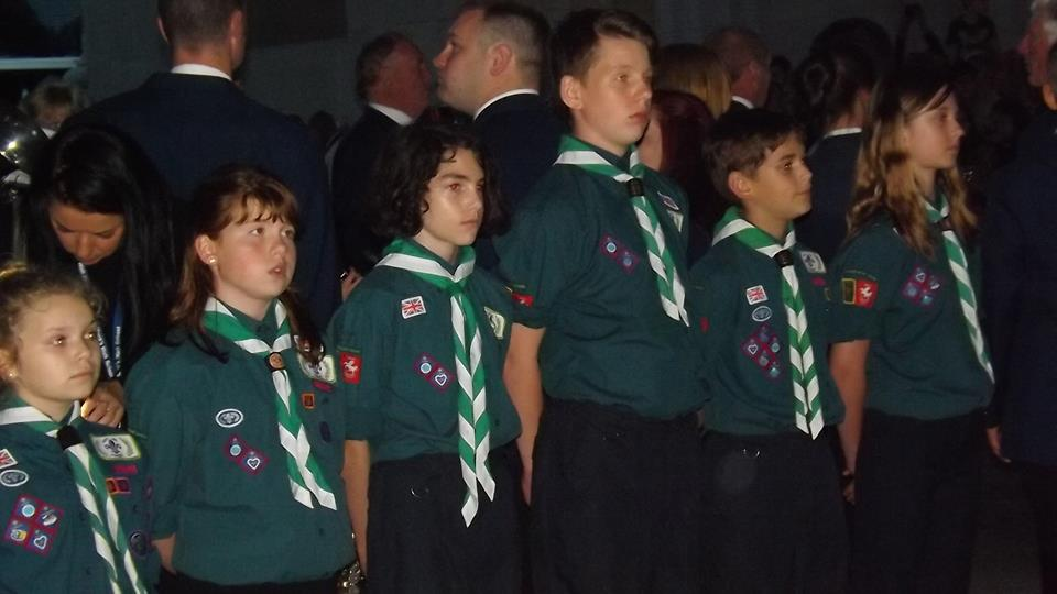 Scouts line up